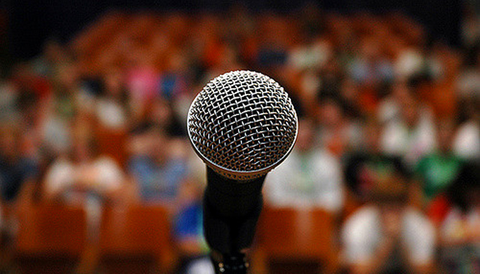 How to Get More Leads and Sales From Your Speaking Gigs