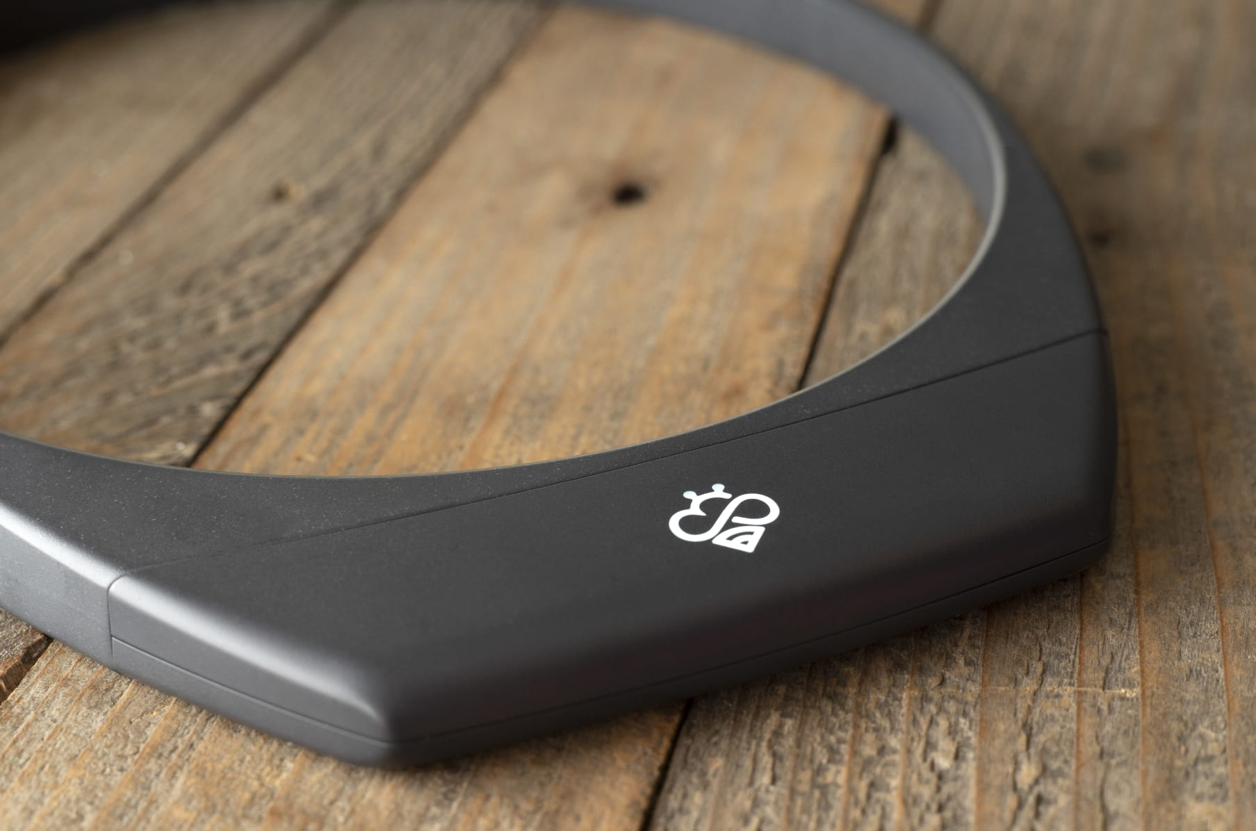 Hapbee, The Mood-Enhancing Wearable Device